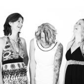 3 damer 3 stemmer on YouTube
