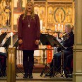 Julaften i Trondenes kirke med Forsvarets Musikk